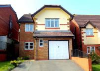 4 bed Detached house in Manor View, Par