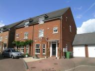 Town House to rent in Carlisle Close, Pinner...