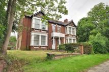 Studio flat in Nower Hill, Pinner...
