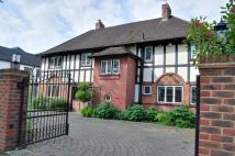 5 bedroom Detached house to rent in The Avenue, Hatch End...