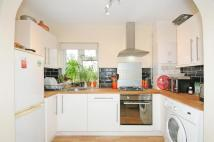 Flat to rent in 688 Pinner Road, Pinner...