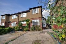 2 bed Maisonette in Valley Close, Pinner...