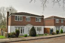 4 bed Detached house in Daymer Gardens, Pinner...