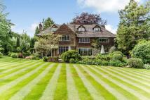 6 bed Detached home in Bushfield Road...