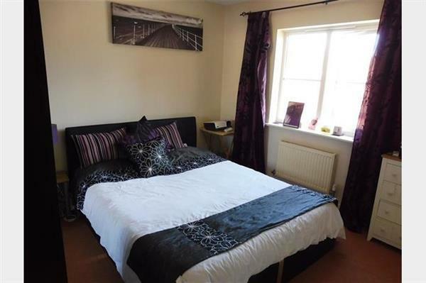 Bedroom 1 :