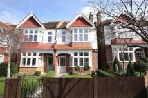 4 bed property in Dovercourt Road, London