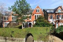 6 bedroom Detached house in Grove Park, London...
