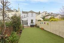 4 bed End of Terrace house for sale in Windsor Street, GL52 2DE