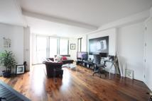 3 bedroom Flat in Holmes Road...