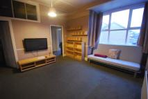 Flat to rent in 27b Westbourne Road -...