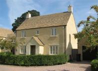 4 bedroom home in The Wern, Lechlade...