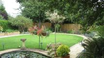 5 bedroom property in Roman Way, Lechlade...