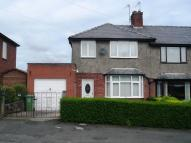 3 bedroom semi detached property to rent in Holme Riggs Avenue...