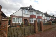5 bed semi detached home to rent in Holland Avenue...