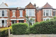 2 bed Maisonette in Trinity Road, Wimbledon