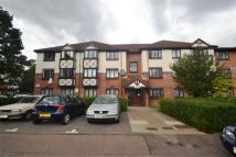 1 bedroom Apartment in Fairfield Close, Mitcham