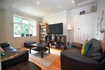 Maisonette to rent in Grand Drive, Raynes Park