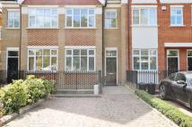 Town House to rent in Cottenham Park Road...