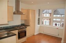 3 bed Maisonette to rent in Waldemar Road, Wimbledon