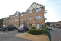 Apartment to rent in Heathfield Drive, Mitcham
