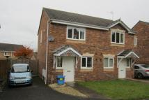 2 bed semi detached house to rent in Newlands Road...