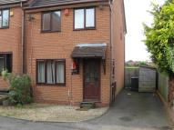 3 bed property in Fernwood Close Shawbirch...
