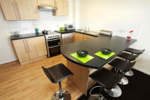 Flat to rent in Derby Road, Loughborough...