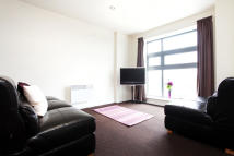 3 bed Flat to rent in Derby Road, Loughborough...