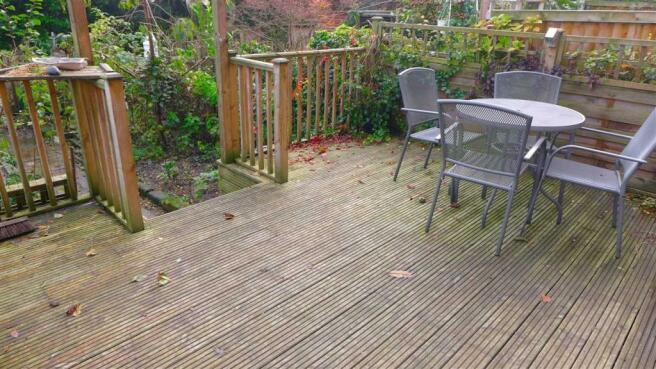 Garden-Decking area