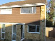 2 bed semi detached house to rent in Sherbourne Close, Barry...