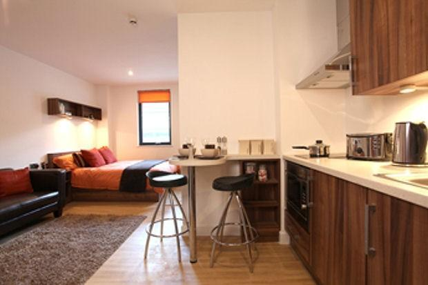 studio flat to rent in king square studios kingsdown. Black Bedroom Furniture Sets. Home Design Ideas