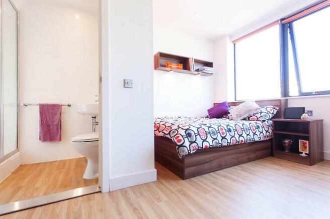 studio flat to rent in king square bristol bs2 8au bs2. Black Bedroom Furniture Sets. Home Design Ideas