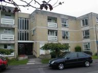 16 Hampton Hse Flat to rent