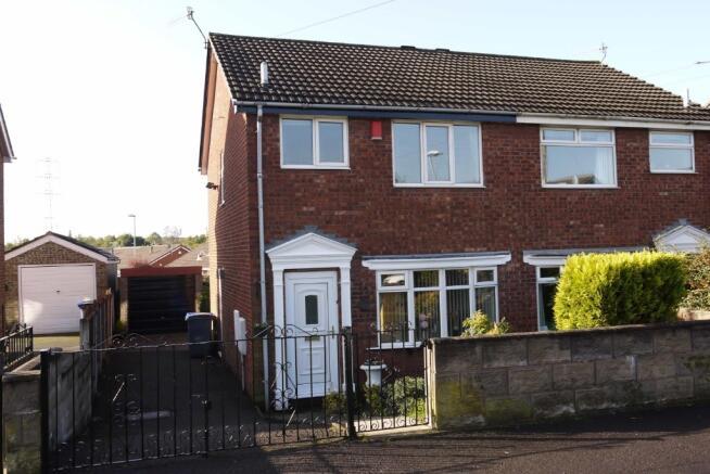 3 bedroom semi detached house for sale in braithwell drive for Garden room braithwell