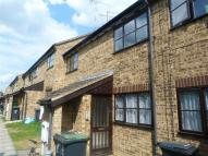 Flat to rent in Brook Street, Raunds...