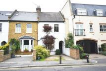 Acton Lane Flat to rent