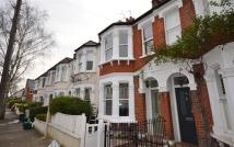 property to rent in Whitehall Park Road...