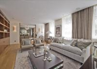 4 bed Flat to rent in Lowndes Square...