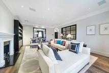 3 bedroom Flat to rent in Eaton Place, London, SW1X