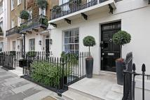 Town House to rent in Chester Square, London...