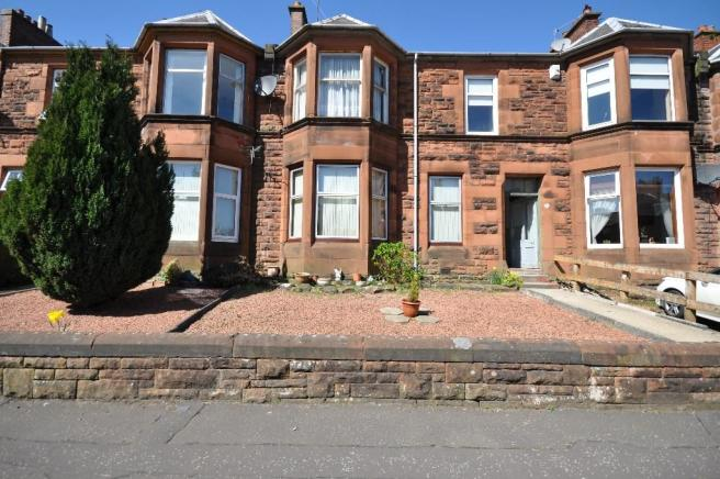 2 bedroom ground floor flat for sale in barbadoes road for Living room kilmarnock