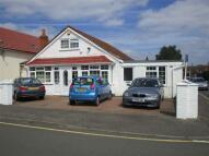 4 bedroom Detached Bungalow in Stowe Road, Cippenham...