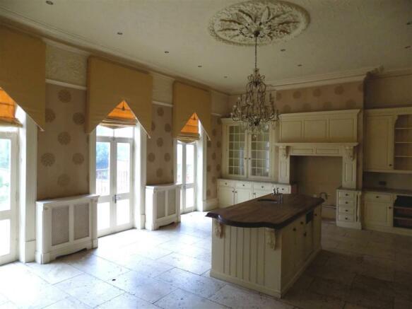 hall kitchen R.jpg
