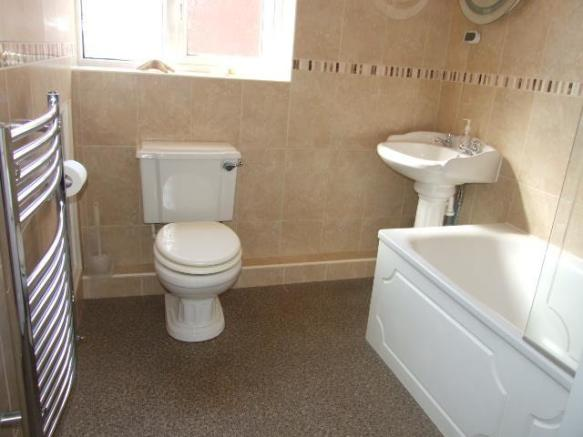 BATHROOM/WC.