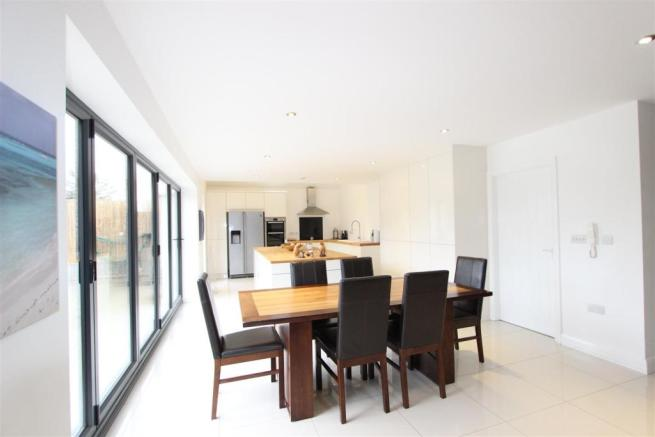 Open Plan Kitchen/Diner/Family Area