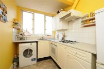 3 bedroom Flat in Oakdale Road, Streatham