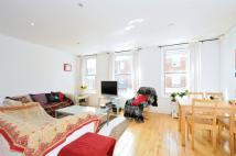 Flat to rent in Shrubbery Rd, Streatham...