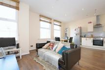 3 bed Flat to rent in Pinfold Road, London