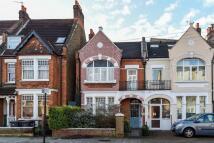 4 bedroom Terraced home in Gleneldon Road, London