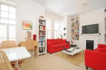 Maisonette to rent in Amesbury Avenue...